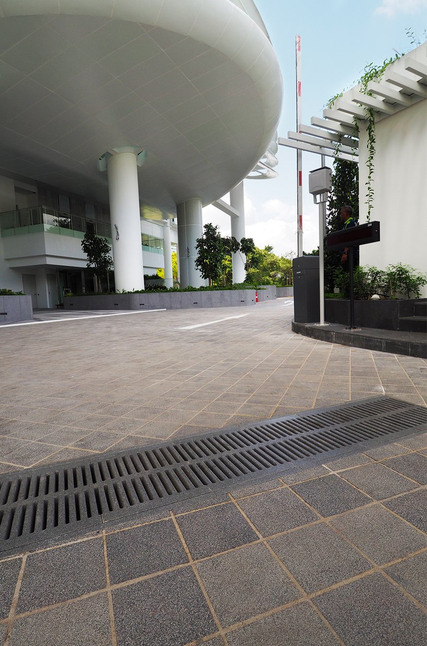 Reinforced reconstituted stone channel gratings in Kallang Riverside